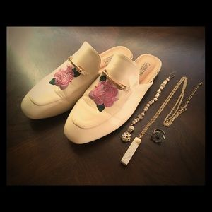 CATHERINE Cream & Gold Mules Embroidered Roses 8.5